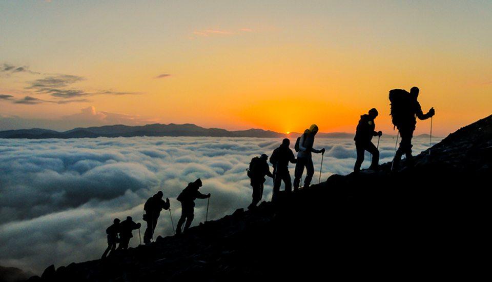 hiking-960x550